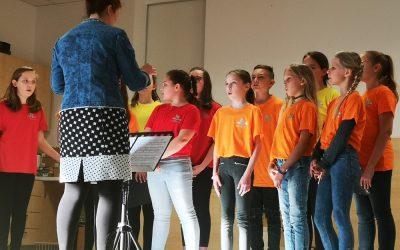 ŽIVLJENJE JE LEPO – koncert otroškega in mladinskega pevskega zbora OŠ Podzemelj z gosti